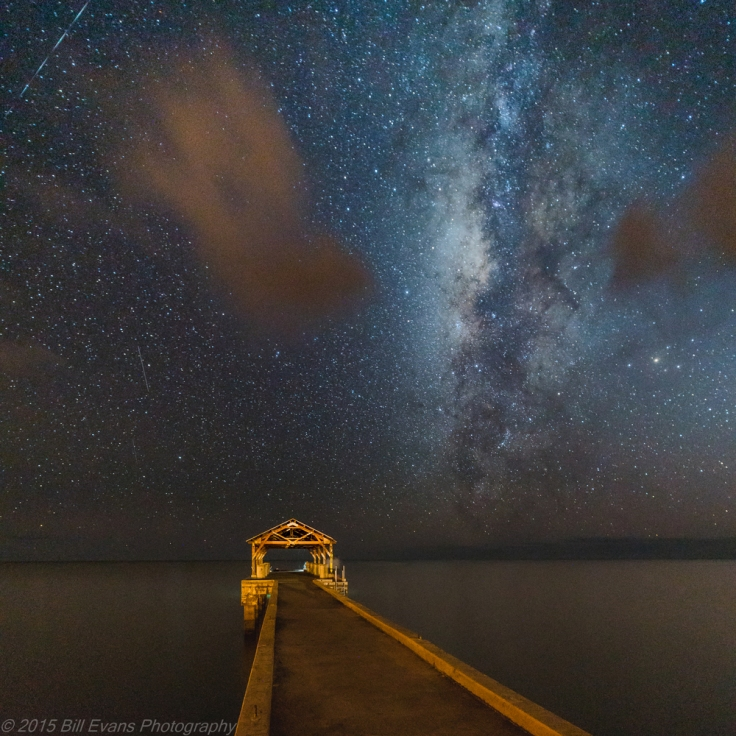 Milky Way rising over the Waimea Pier (6 October 2015) Sony A7Rii + Zeiss Distagon T* 15mm f/2.8 ZE 30s @ f/2.8 iso 64000